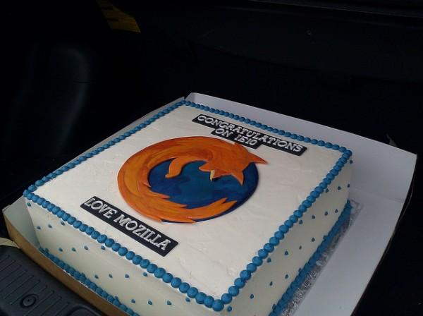 Urodzinowy tort dla twórców Internet Explorera 10 1