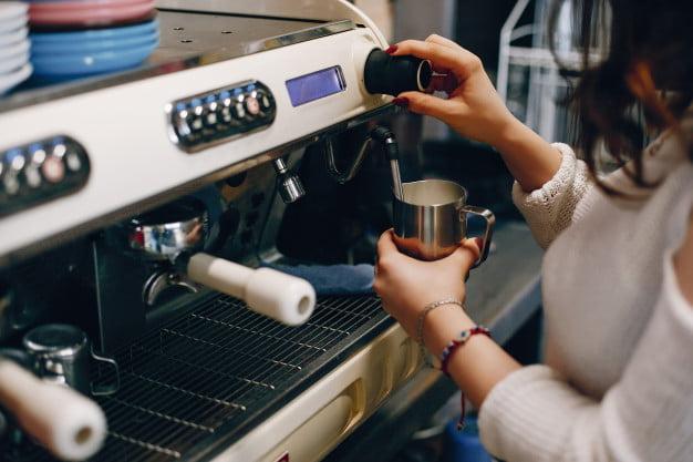 Ekspres do kawiarni w leasingu – jak to działa? 1