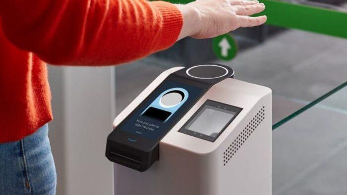 Amazon One umożliwia płatności za pomocą dłoni 1